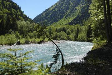 Поход через перевал Аишха кЧерному морю