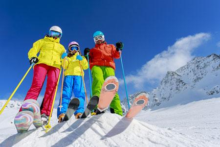 Город-отель «Бархатные сезоны» запустил горнолыжные туры странсфером кподъемникам