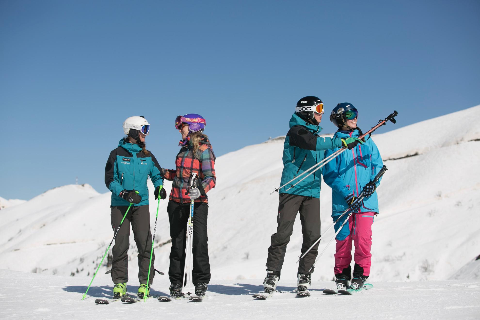 Первая Школа горных лыж исноуборда