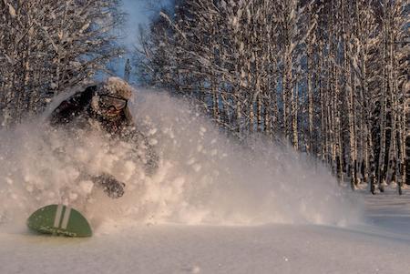 Сноусёрфинг вСибири сКостей Саном